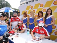 The_Ducati_riders_signing_autographs_for_fans_1